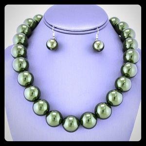 Olive Pearl strand necklace set